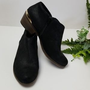 Mossimo Ankle Bootie boots Zip side Low heel Black
